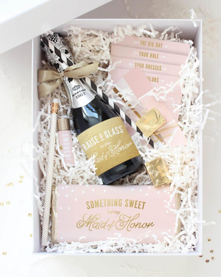 personalised gifts to ask bridesmaids