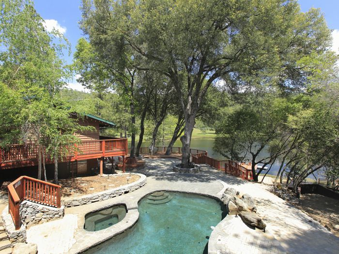 Northern California Wedding Venue Private Lake House For A W Swimming Pool Sierra Nevada Mountains Of