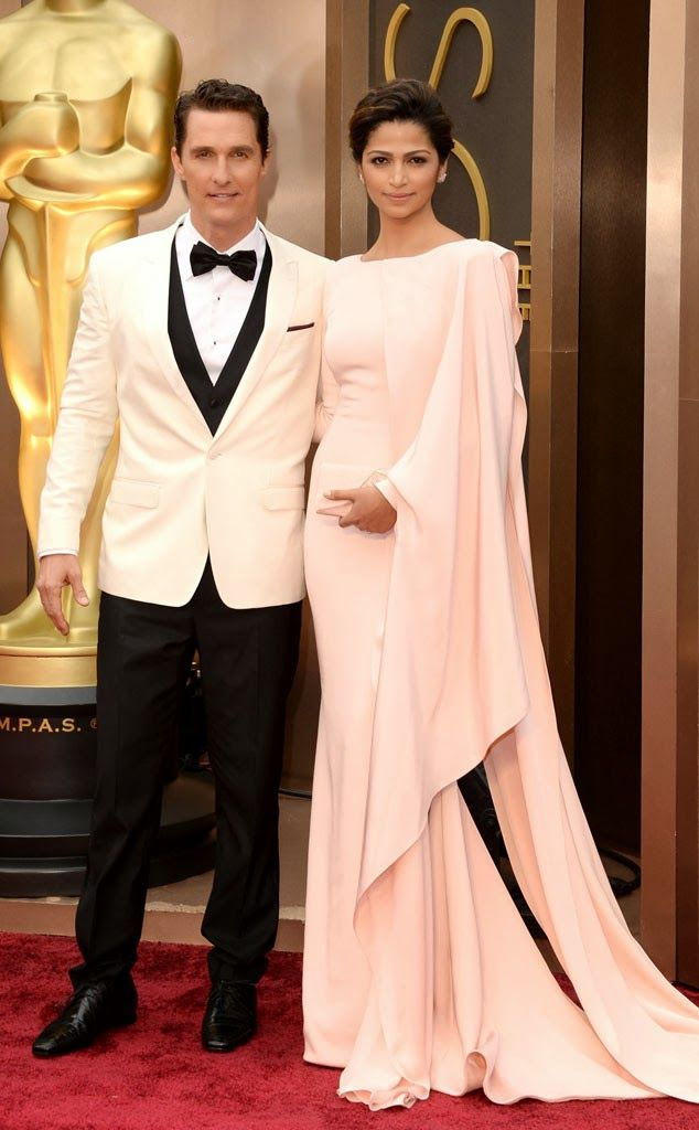 Mathew McConaughey e Camilla Alves Oscar 2014 http://horadediva.blogspot.com.br/2014/03/oscar-2014-red-carpet-os-vestidos.html
