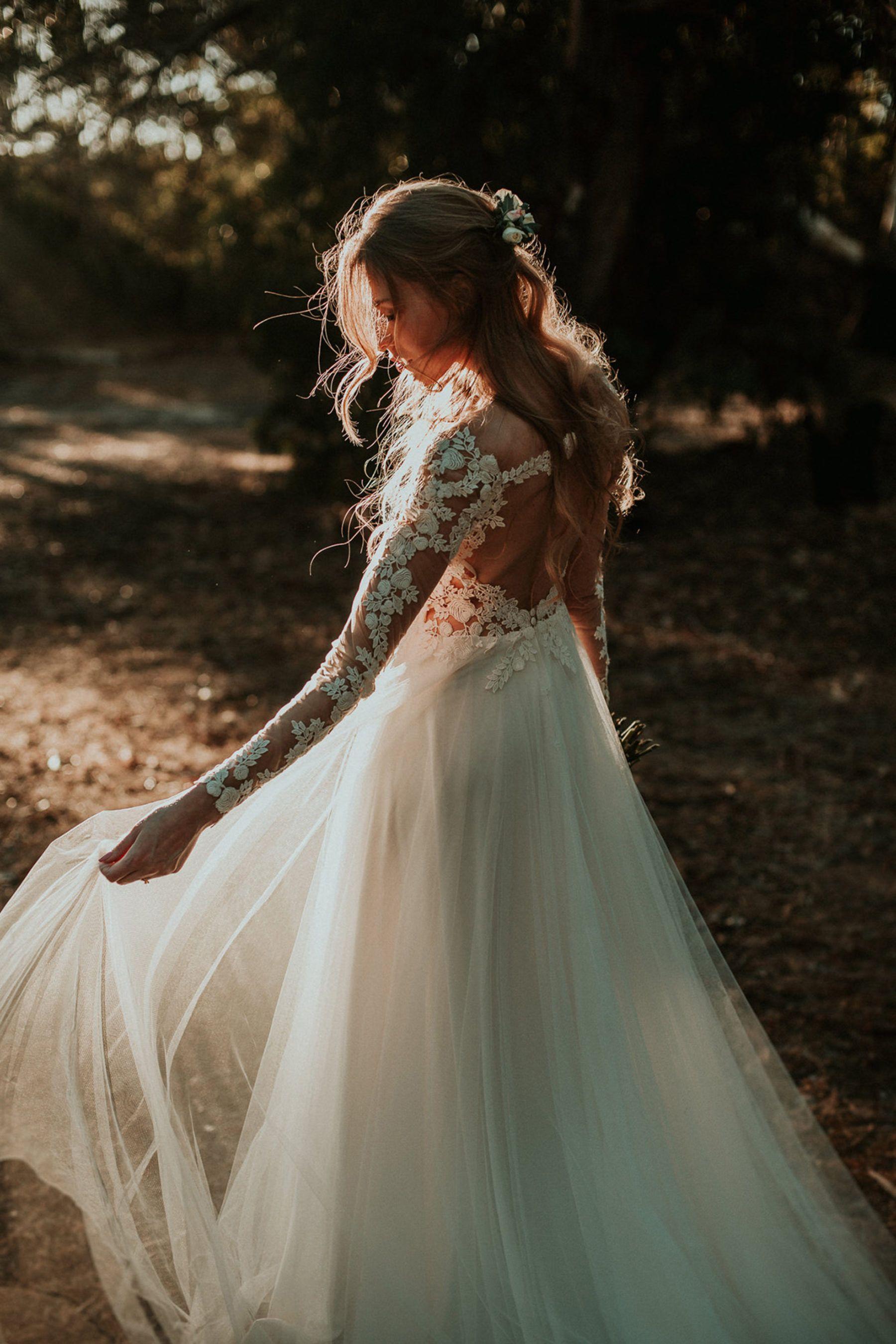 Nature wedding dress  Shannon Stent  natural wedding photographer Margaret River  Bride