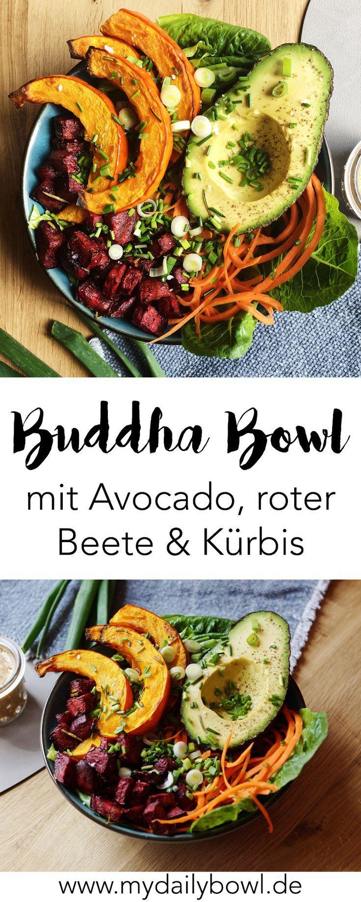 Buddha Bowl mit Avocado, Kürbis und rote Beete