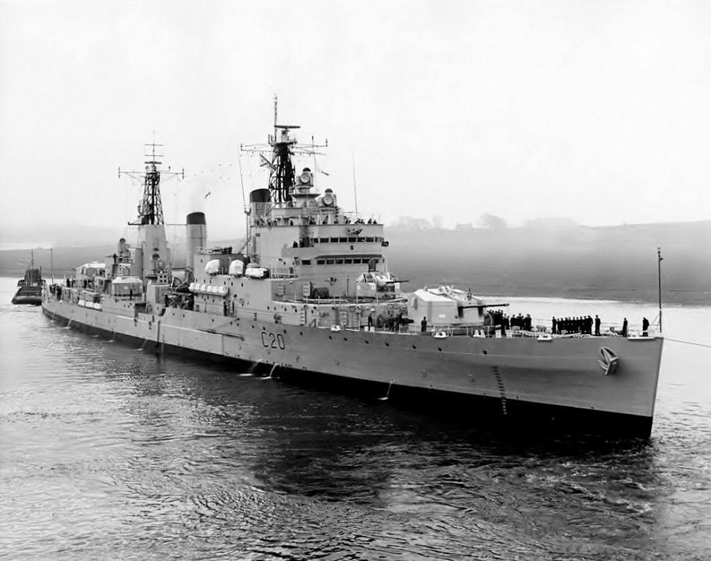 L'HMS Tiger (C20) - Incrociatore - Impostata1943 Entrata in servizio 1959 -Caratteristiche generali Dislocamento11.700 (in origine) - 12.080 dopo la conversione a portaelicotteri di Blake e Tiger PropulsioneQuattro caldaie Admiralty a tre cilindri Quattro turbine ad ingranaggi Parsons 80.00 Shp Armamento Artiglieria alla costruzione: 4 cannoni da 152,4 mm in torrette trinate 6 cannoni da 101,6 mm HA in torrette binate - Radiata1979