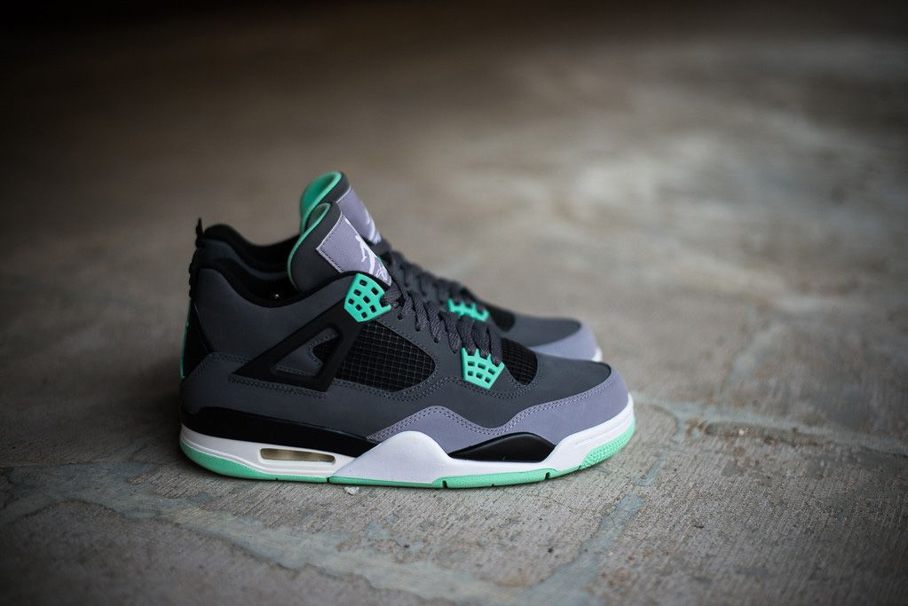 A Closer Look at the Air Jordan 4 Retro