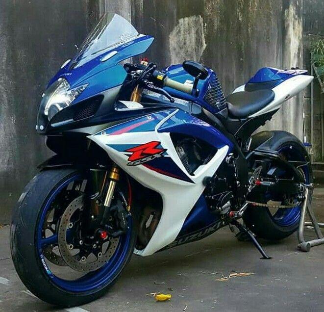 Suzuki Gsx R Suzuki Motorcycle Blue Bikes Suzuki Gsxr