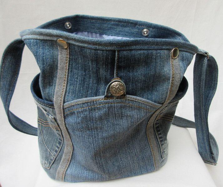 schultertaschen jeanstasche umh ngetasche kugeldistel ein designerst ck von gasani bei. Black Bedroom Furniture Sets. Home Design Ideas