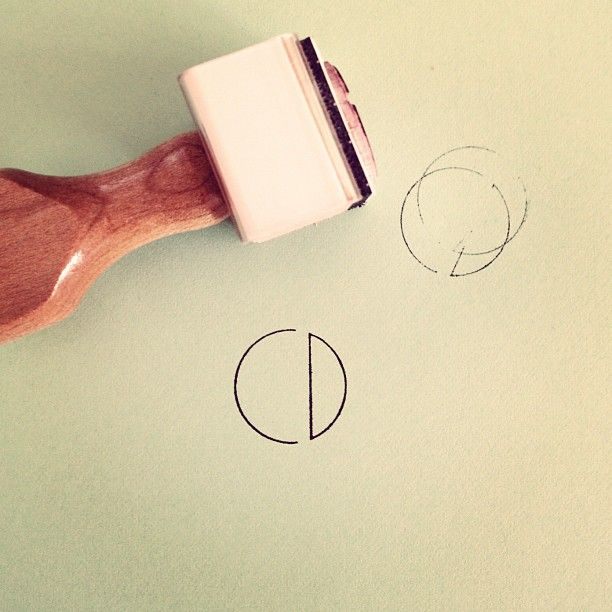 This may be the most genius thing ever. CD - her initials - in a clean, simple stamp (Chelsey Dyer) #personalidentity