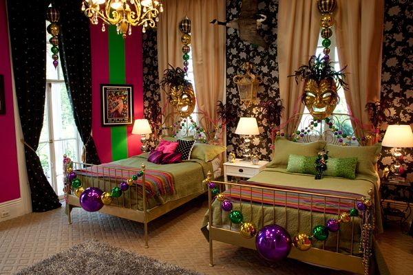 Mardi Gras themed room anyone? Must really love NOLA
