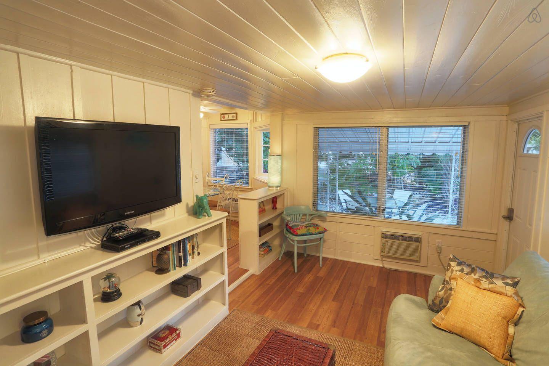 Cute Siesta Key Cottage! Renovated! vacation rental in