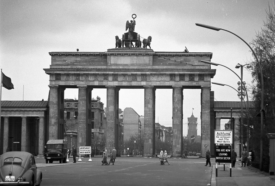 Berlin 1960 Brandenburger Tor vom Tiergarten