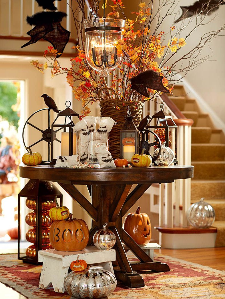 decorate the entryway with pumpkins ghouls and goblins galore a spooky halloween. Black Bedroom Furniture Sets. Home Design Ideas