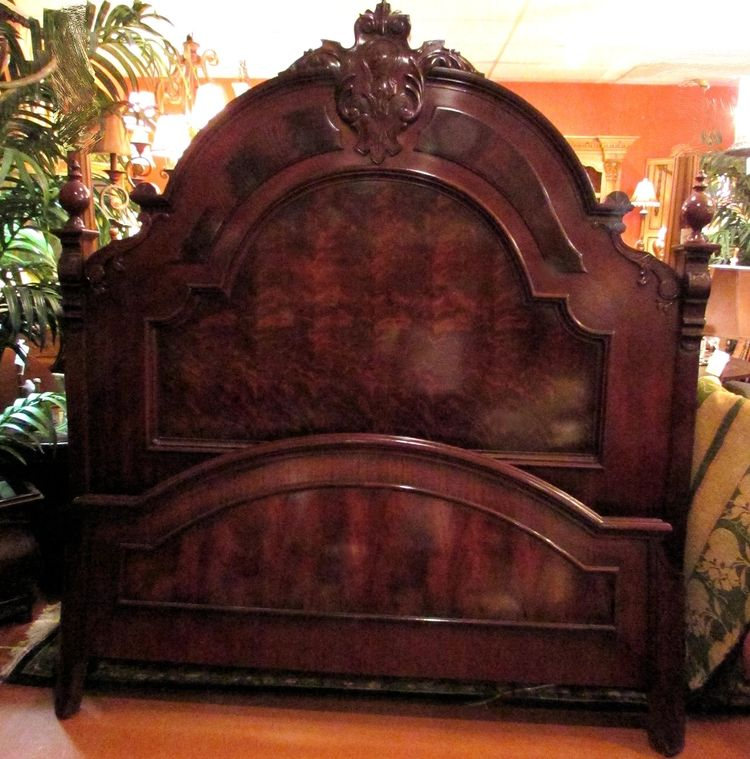 HENREDON FLAME MAHOGANY KING SIZE BED