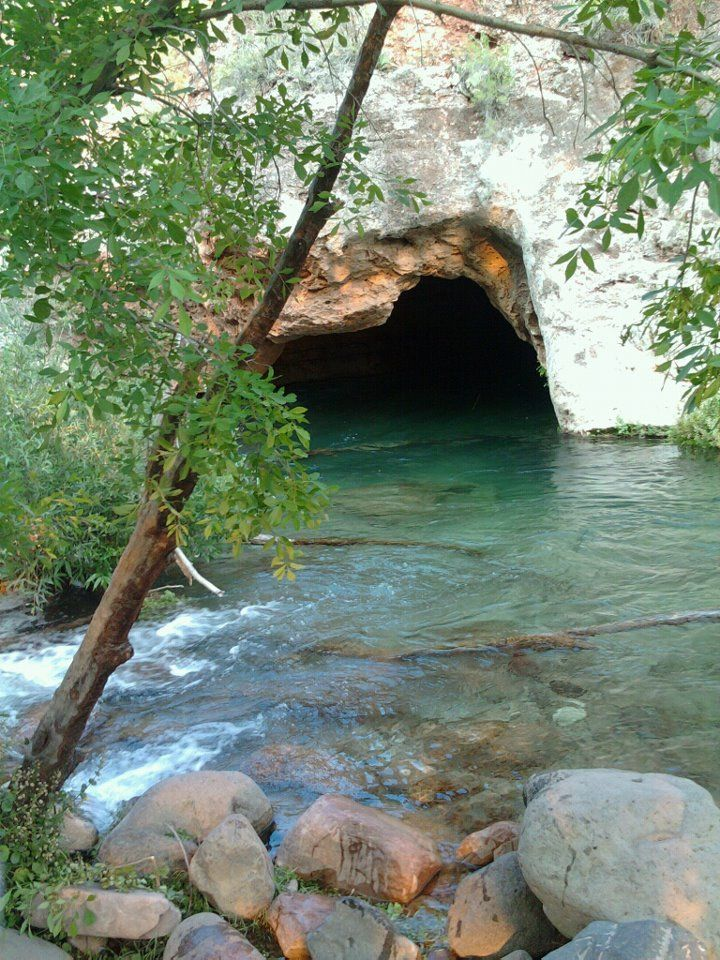 Fossil Creek Wilderness Strawberry Az United States The Cave Just Past