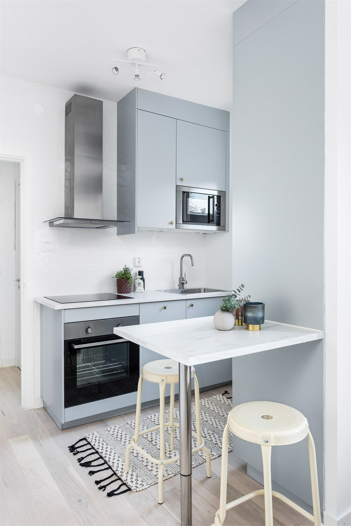 50 Splendid Small Kitchens And Ideas You Can Use From Them Small Apartment Kitchen Tiny Kitchen Design Small Space Kitchen