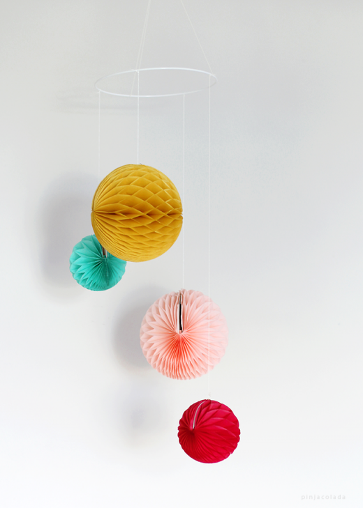 DIY: Easy Paper Mobile / Pinja Colada