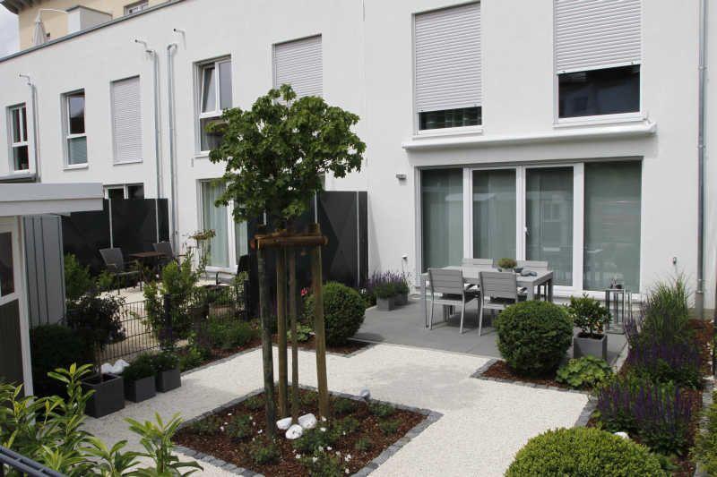 Modern Geometric Garden With Small Pool | Pond Ideas | Pinterest | Rasen,  Hortensien Und Kies