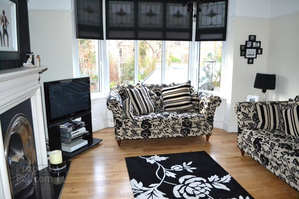 one bedroom  apartment agincourt avenue queens quarter