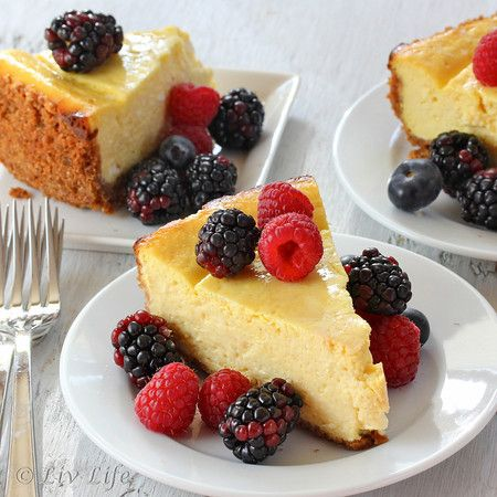 Mango Cheesecake.... Light, delicate and utterly irresistible!