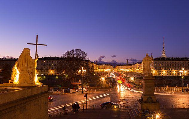 Torino Magica il tour serale della città tra magia bianca