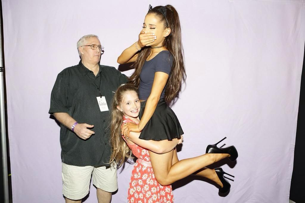ARIANA WITH FANS ---How cool is this?