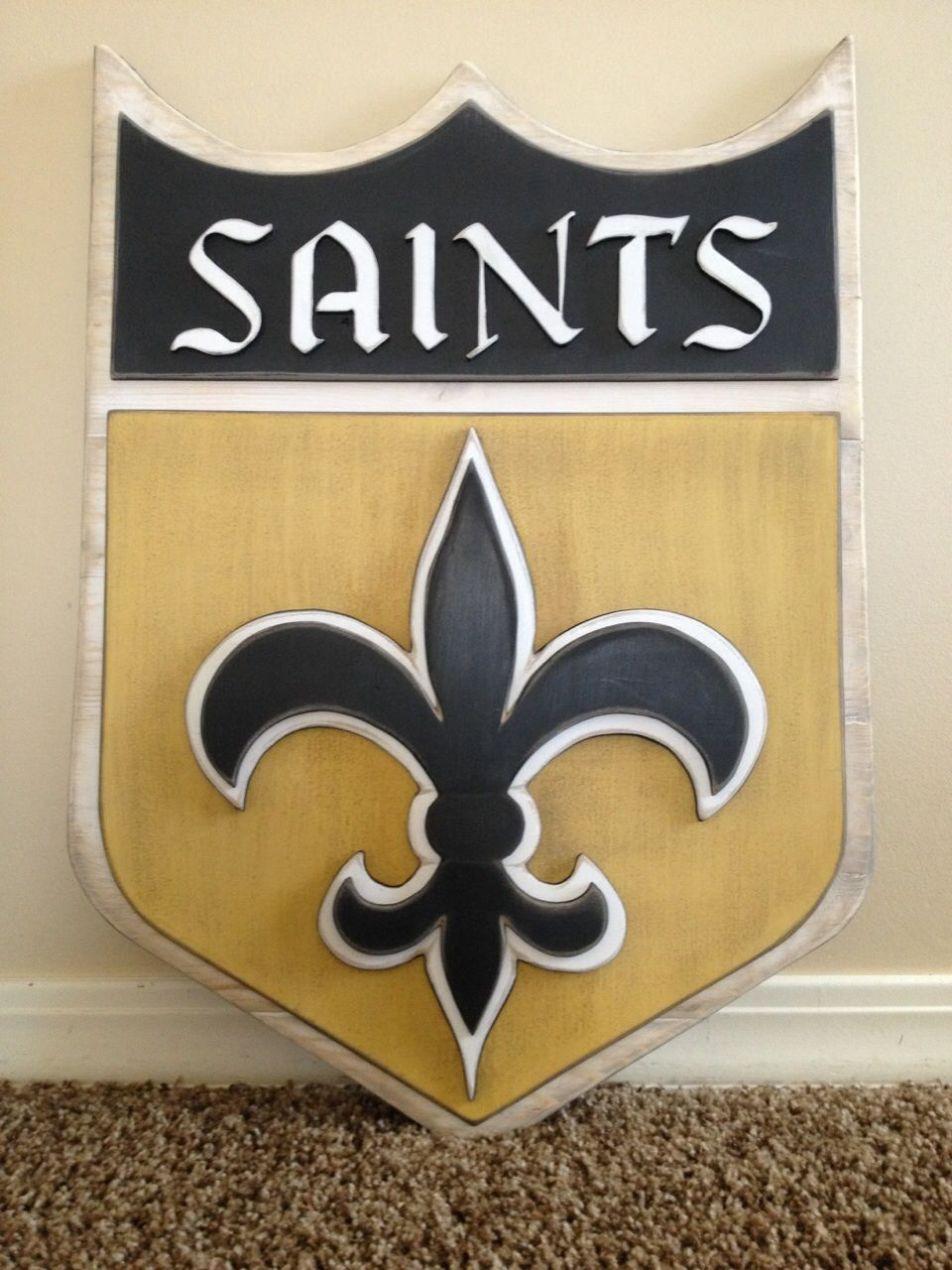 Hand jigged and painted wood sports sign. New Orleans saints wood ...