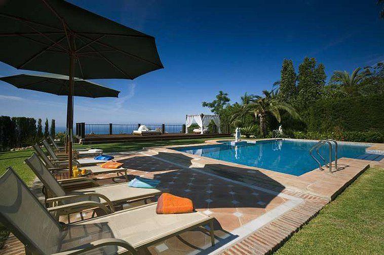 Sierra Blanca Marbella Villa Travel Luxury Life Poolside Chic www.bookmylifestyle.com