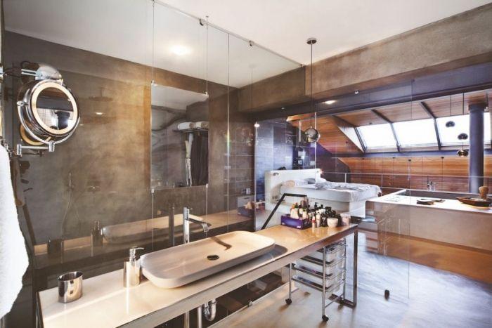 innenarchitektur industriellen stil karakoy loft, offenes schlafzimmer-konzept mit barrierfreiem badebereich, Design ideen