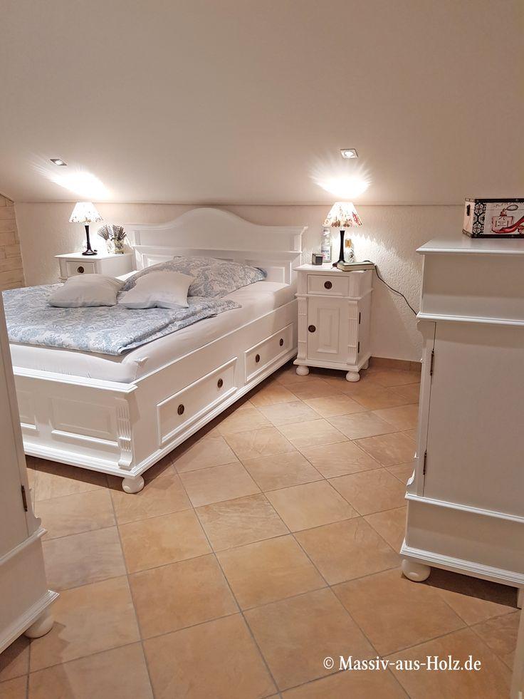 Ein weißes Schlafzimmer wie aus dem Märchen so lebt