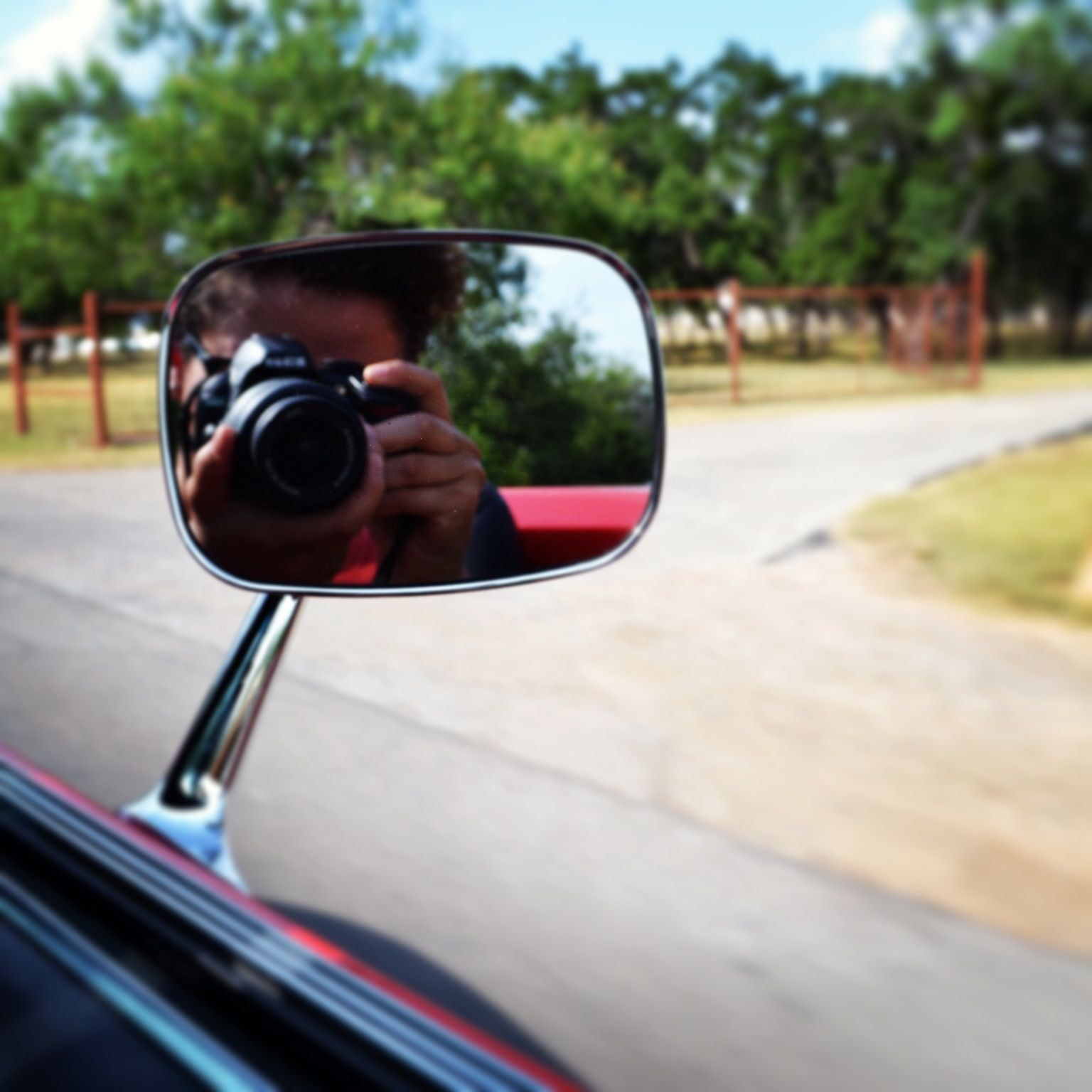 Making a photo in the mirror from your car!