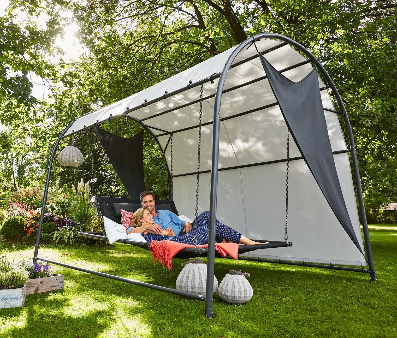 599 00 diese wandelbare hollywoodschaukel macht sich ideal in jeder gr nen entspannungsoase. Black Bedroom Furniture Sets. Home Design Ideas