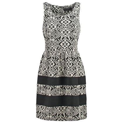 Cooles schwarz-weißes Kleid von Only. Der Ethnoprint zieht ...