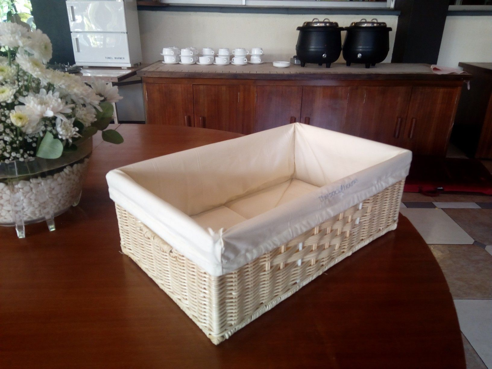 Rattan laundry guest basket with lining.. . @prilaga #pinterest #goodhousekeepingsa #hotelstay #pinterestfail #hotels #rattanbag #thatsgoodhousekeeping #pinteresthair #rattanbags #hangingbaskets #housekeeping #pinterestwin #easterbaskets #goodhousekeeping #prilaga #mypinterest #rattan #housekeepingweek #boutiquehotels #rattanbagbali #pinterestinspired #giftbaskets #hotelstyle #rattanfurniture #housekeepingservices #designhotels #baskets #basketshoes #hotelsandresorts #pinterestfail Rattan laundr #pinterestinspired