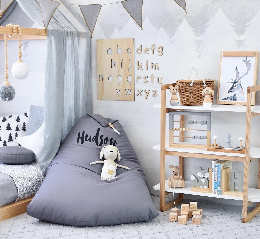 This kid 39 s room looks amazing the beautiful wooden for Kinderzimmermobel junge