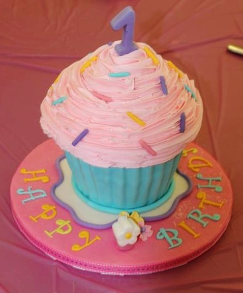 1st Birthday Giant Cupcake Cake Birthdays Pinterest Giant