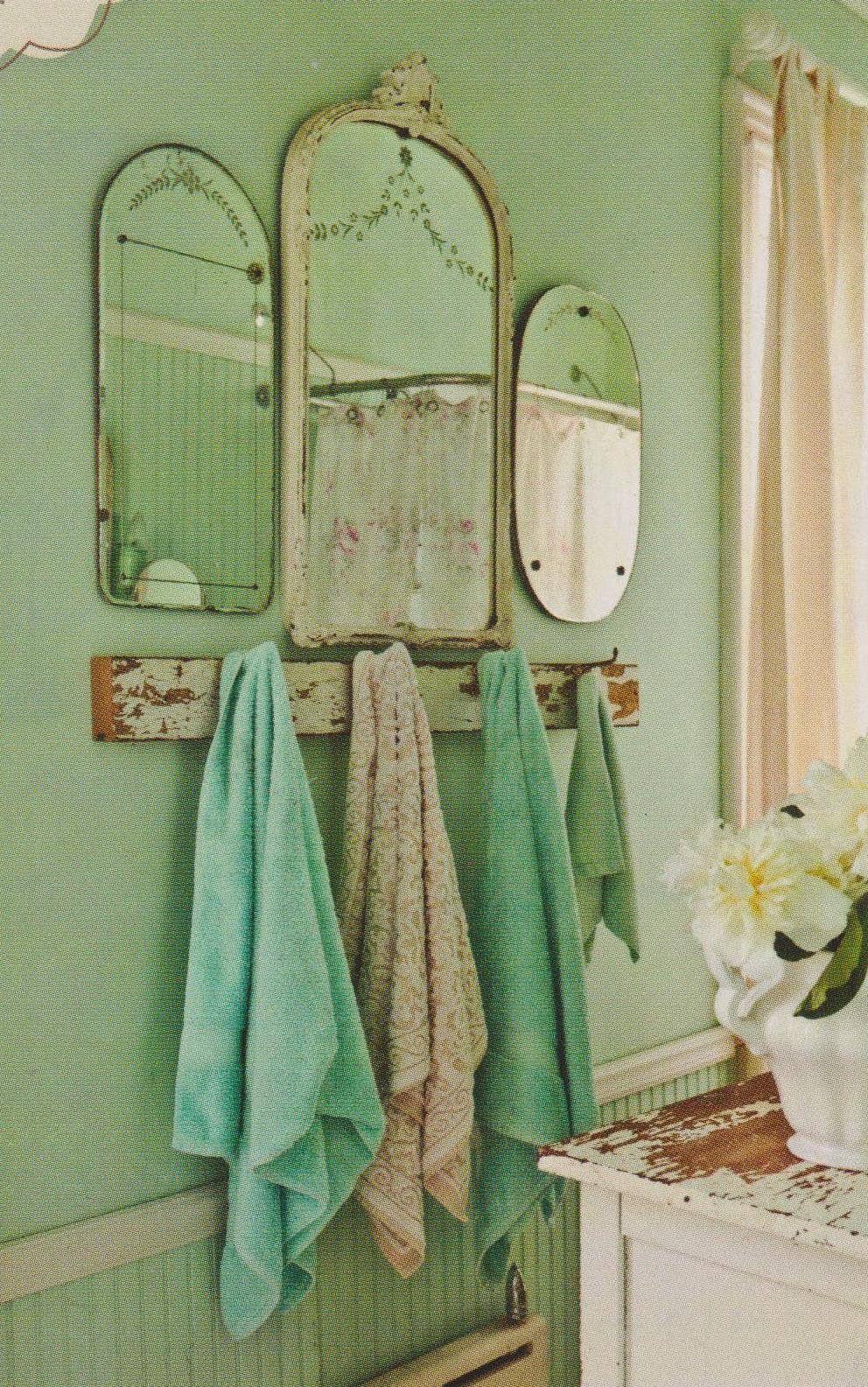 Hall Bath Idea W Mirrors Vintage Bathroom Decor Shabby Chic Bathroom Chic Bathrooms