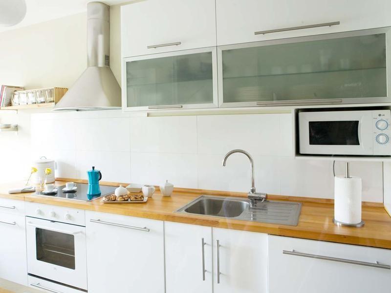 El mejor sitio para poner el microondas microondas for Aparadores para cocina
