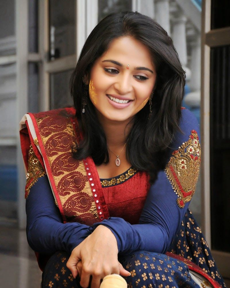 Anushka shetty anushka shetty hot stills pictures beautiful pictures - Anushka Shetty Is Beautiful Sweet Cute Actress Of South India She Is Very Sexy Hot And Good Looking Actress And Model Who Mainly Works In Tamil And Telegu