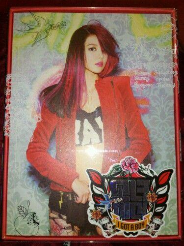 Mi primer disco de Girls' 소녀시대(Girls' Generation) y con la portada de Sooyoung :3