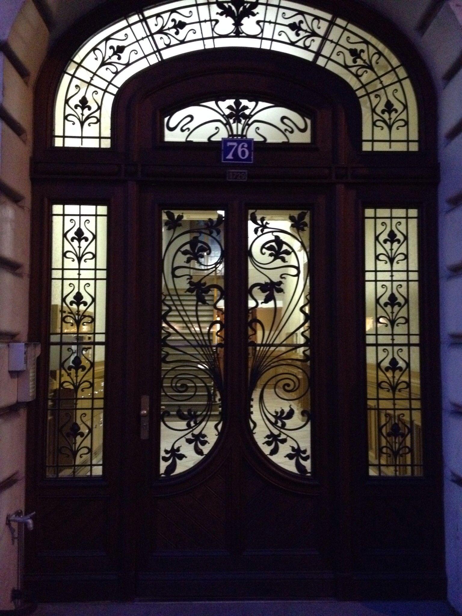 Beautiful door in Lausanne