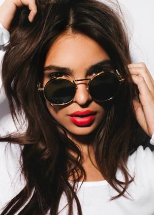 10181cf8a600 CHIC BEAUTY l red lips l Emily Ratajkowski | Red & Rouge | Emily ...