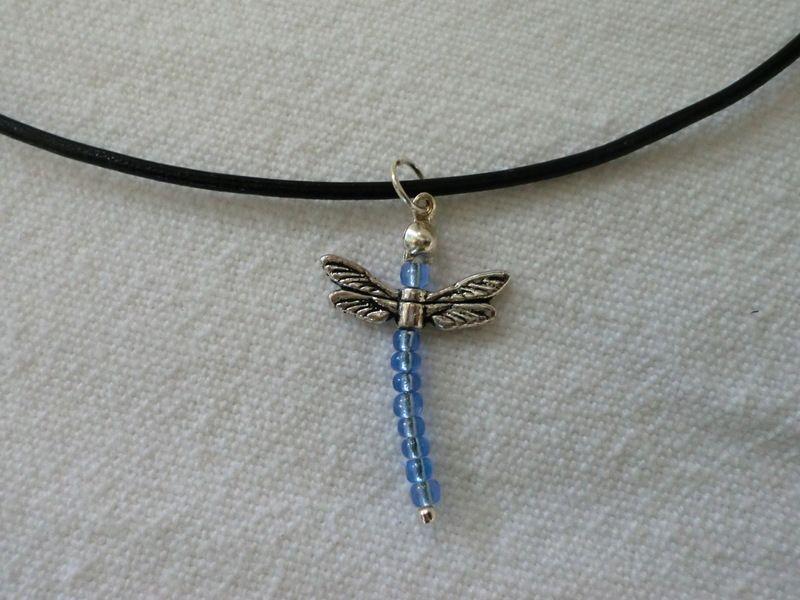 Libellen-Anhänger mit Lederband von UNIKAT-die Kreativ-Werkstatt auf DaWanda.com