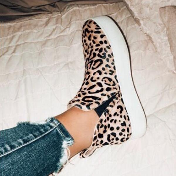 Women Leopard Casual Sneakers #fallshoes