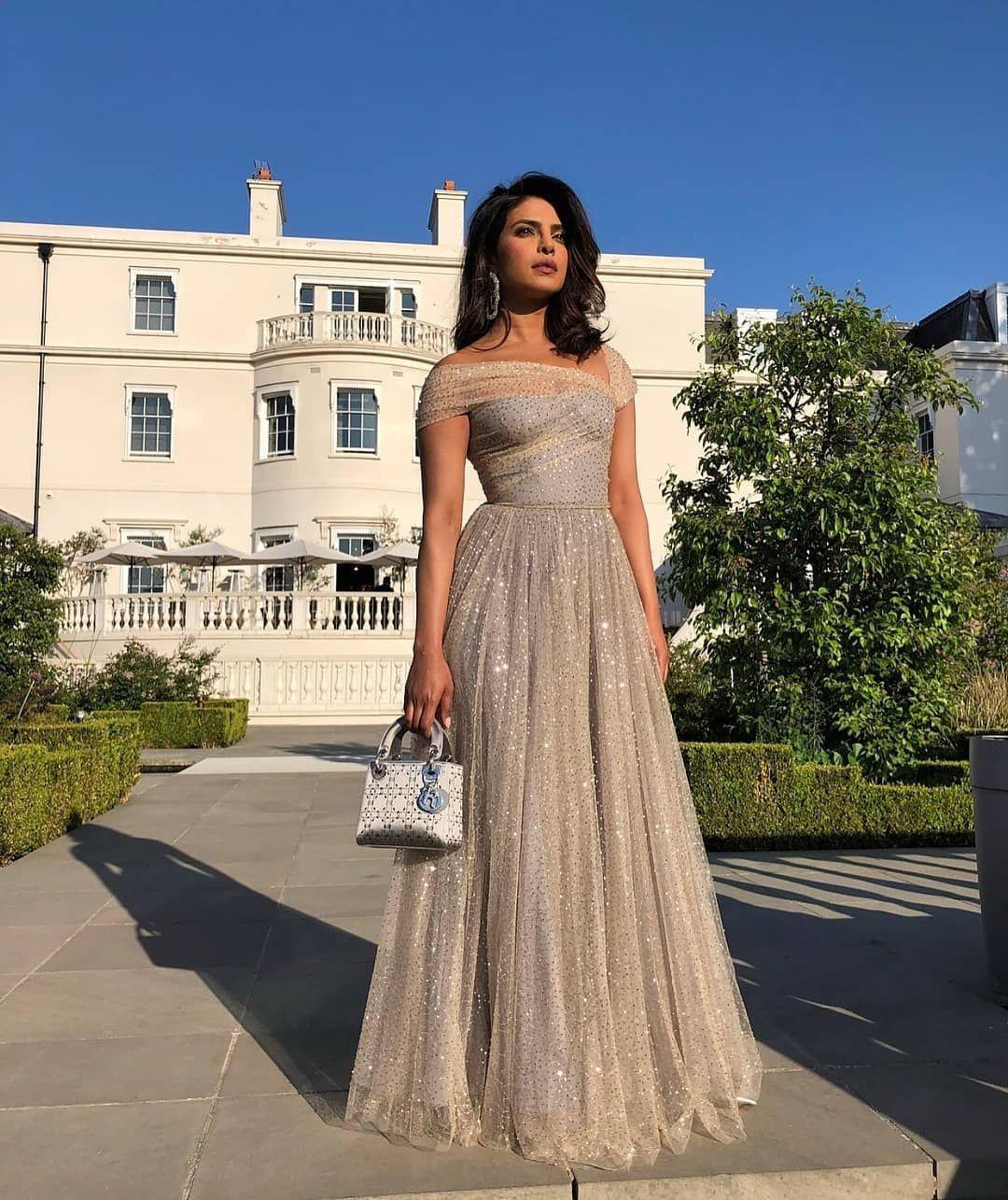 Priyanka Wedding White Gown: Priyanka Chopra For The Royal Wedding Reception