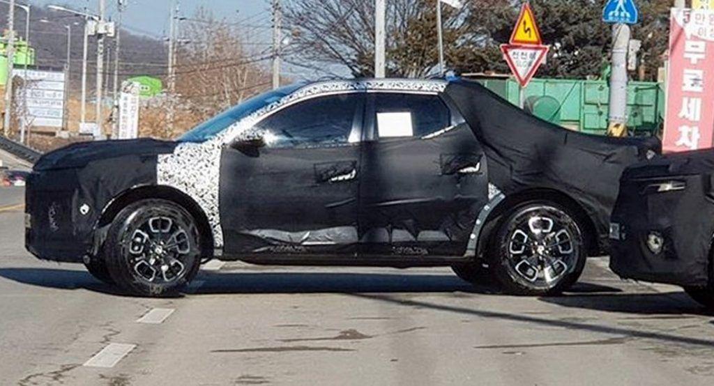 2021 Hyundai Santa Cruz Pickup Spotted In Four Door Crew Cab Configuration Crew Cab Hyundai Santa Cruz