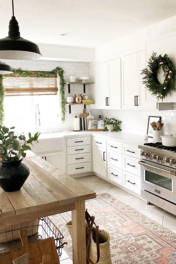 there are only 4 more days until christmas and this farmhouse kitchen is ready to start on farmhouse kitchen xmas id=38048