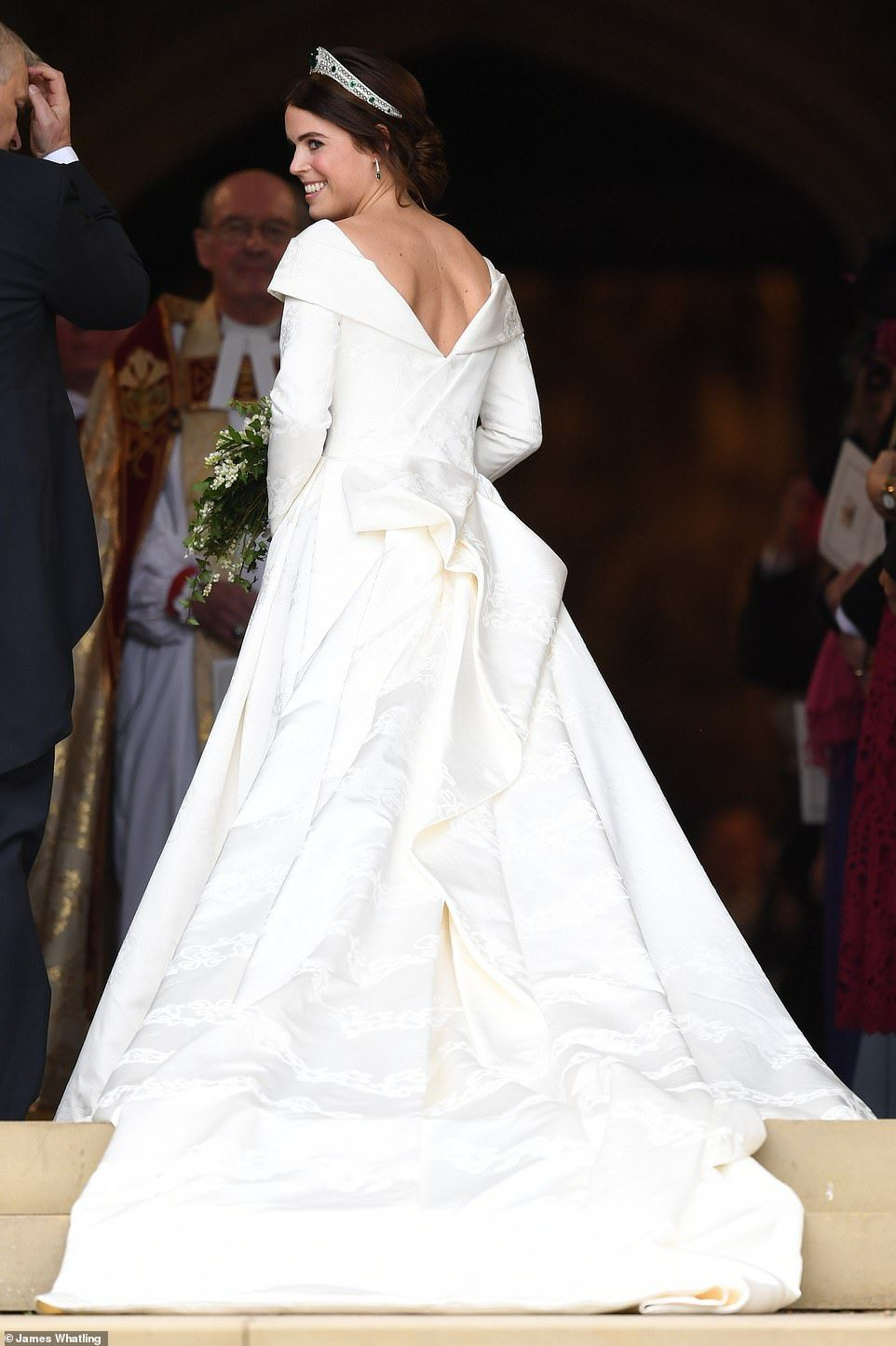 Cheeky Savannah Phillips Entertains Prince George At Eugenie S Wedding Royal Wedding Gowns Royal Wedding Dress Eugenie Wedding [ 1445 x 962 Pixel ]