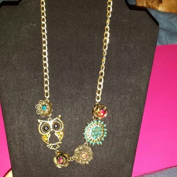 Betsy johnson statement necklace Betsy Johnson owl statement necklace Betsey Johnson Jewelry Necklaces