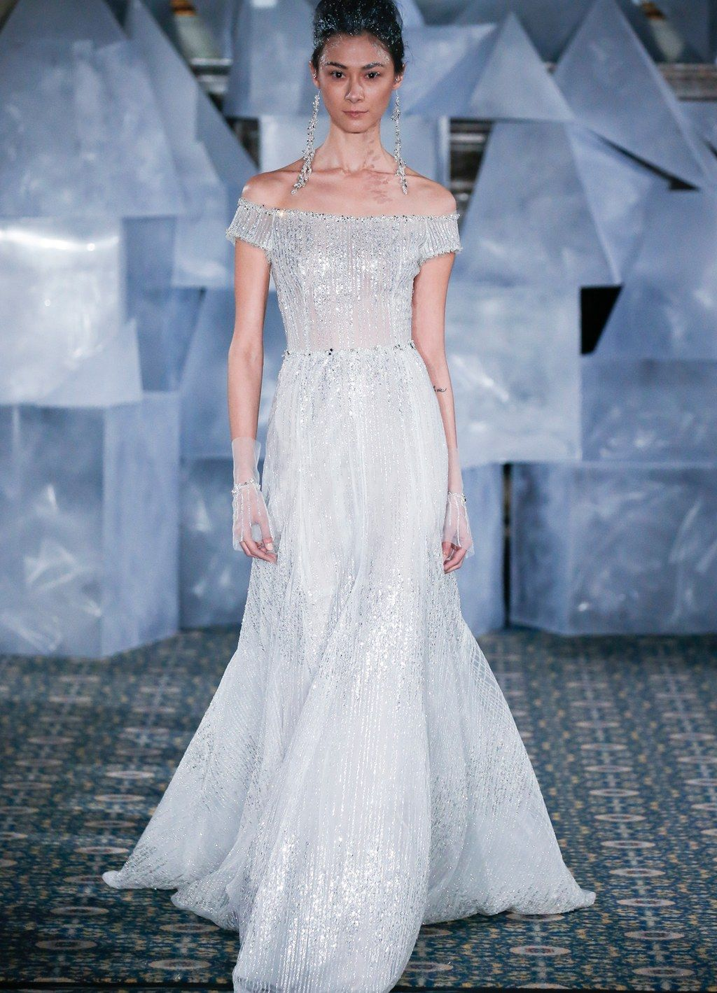 cd6a8c895 7 Bridal Fashion Trends That Should Be on Your Radar di 2019 ...