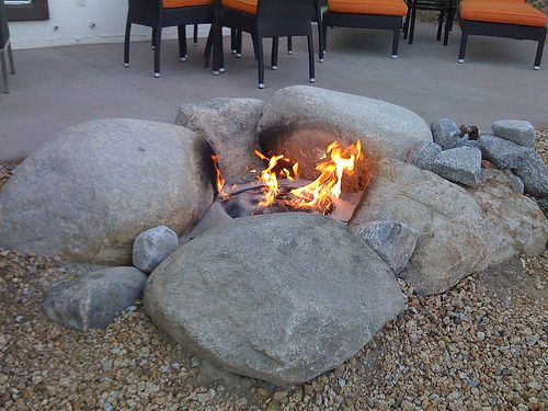 Natural Rock Fire pit...utilize boulders, large stones and sand or fire  bricks to create an organic shaped pit. These types of designs work well in  ... - Natural Rock Fire Pit...utilize Boulders, Large Stones And Sand Or