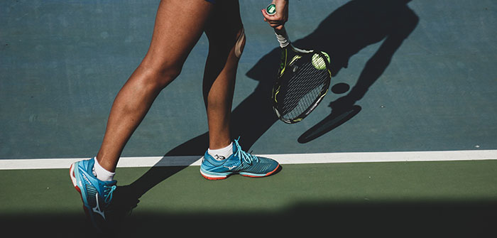 The 7 Best Tennis Shoes For Wide Feet Of 2020 Sportsly In 2020 Tennis Shoes Wide Feet Wide Shoes