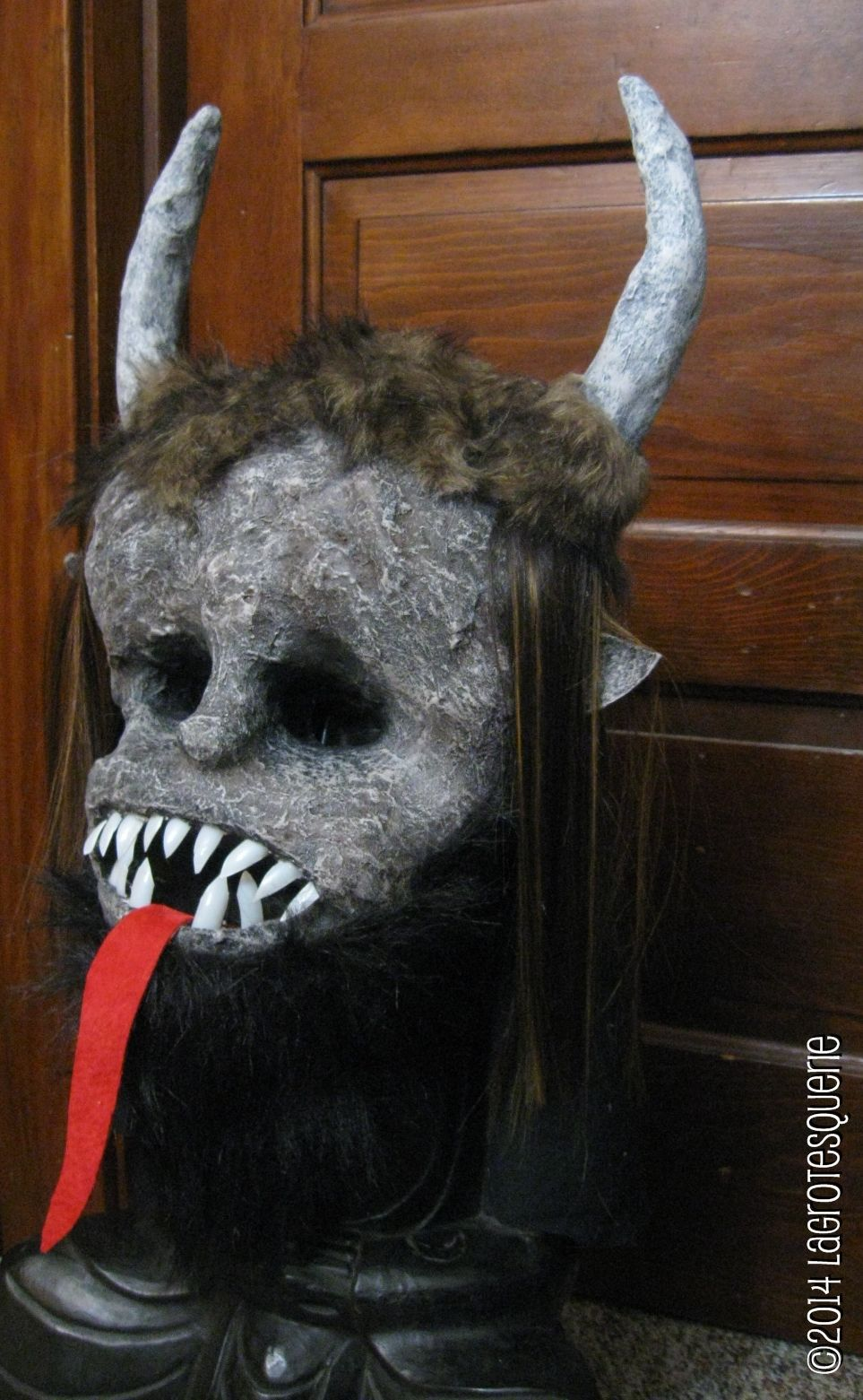 The kompleted Krampus mask.